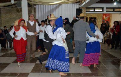 Livro sobre as danças nas ilhas do Grupo Central apresentado no Faial