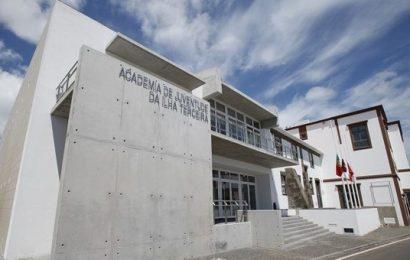 Município promove formações de iniciação à fotografia na Praia da Vitória