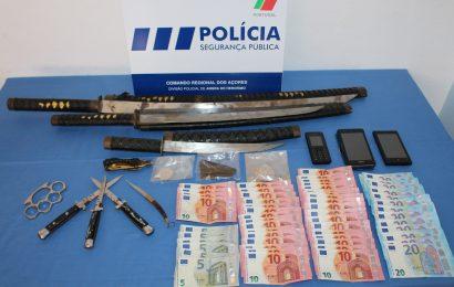 PSP detém trio no aeroporto das Lajes por tráfico e detenção de armas proibidas
