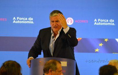 """Cordeiro satisfeito com o resultado eleitoral e com as """"condições de governabilidade"""" nos Açores"""