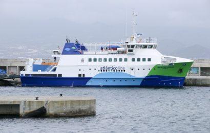 Navio da Atlânticoline suspende operação para inspeção obrigatória