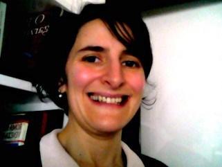 Candeia que vai à frente… — Opinião de Rita Gonçalves