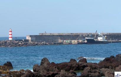Bloco solto na muralha do Porto da Madalena diminui caudal de água disponível
