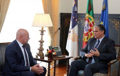 Governo considera importante contributo do município da Horta para melhoria das acessibilidades