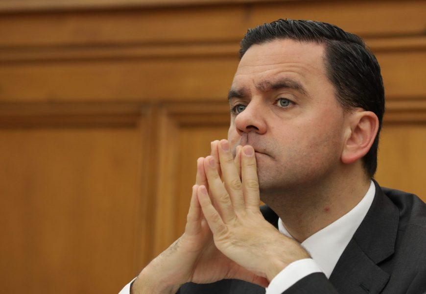 Ministro imputa à Comissão Executiva da TAP a decisão de encerrar a loja na Terceira