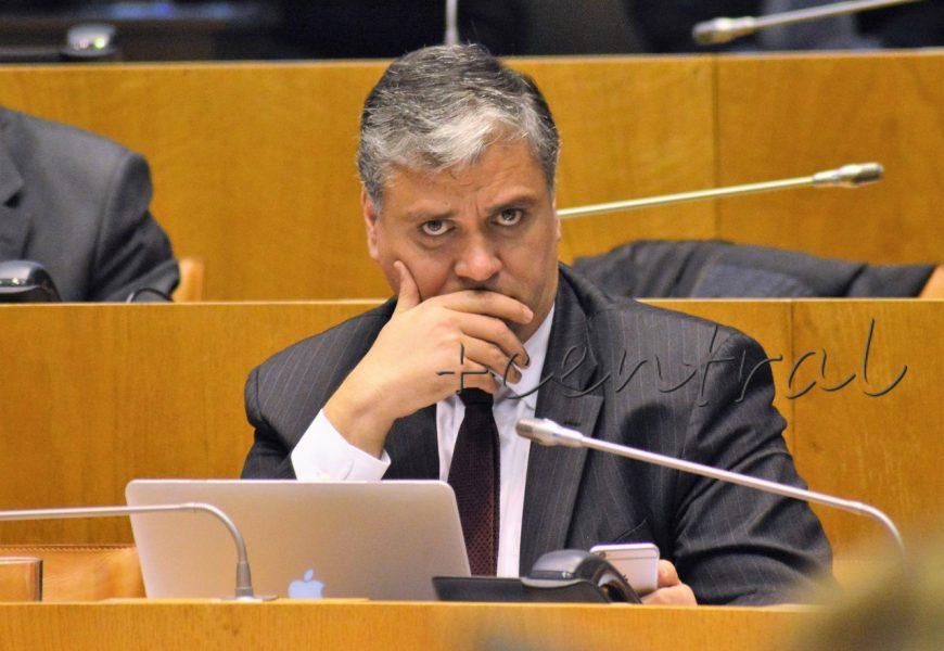 Governo dos Açores gastou em 4 anos mais de 2 M€ com Gabinete de Comunicação