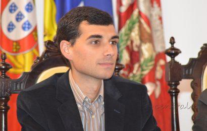 Tibério Dinis condena atitude de Santos Silva e a sua ausência na Comissão Bilateral