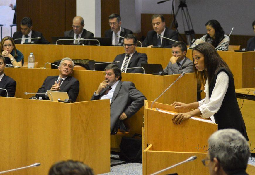 PSD/Açores quer conhecer motivos do fim da ligação Terceira-Madrid