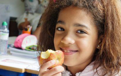 Abertas candidaturas para oferta de fruta a alunos carenciados