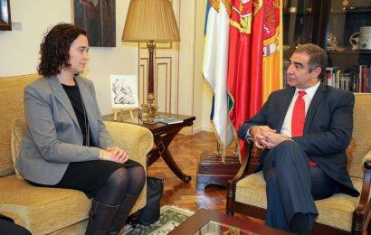 Eurodeputada do PSD inicia roteiro pelas autarquias dos Açores